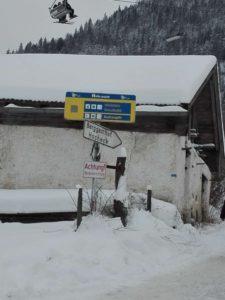 Bild Hocheck Schild Hütte am Rand