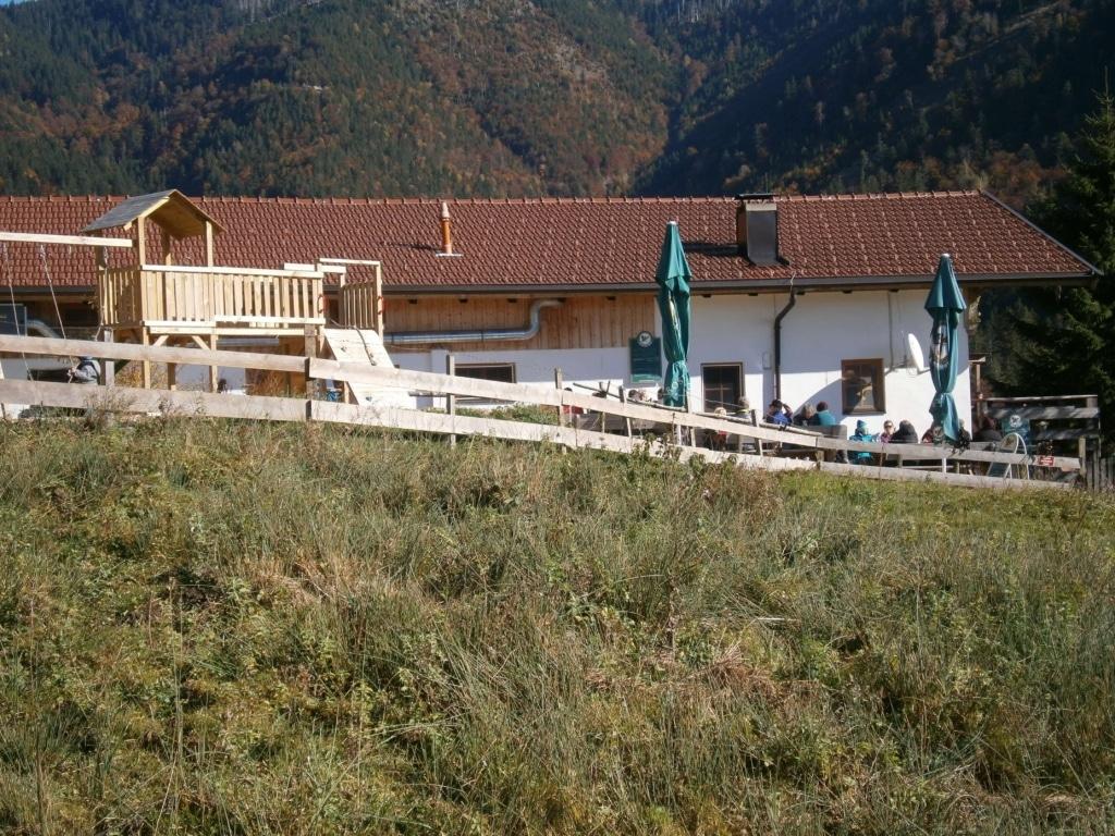Bild Schwarzrieshuette Biergarten und Spielplatz
