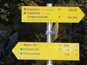 Bild Schwarzrieshuette Wegweiser nach rechts