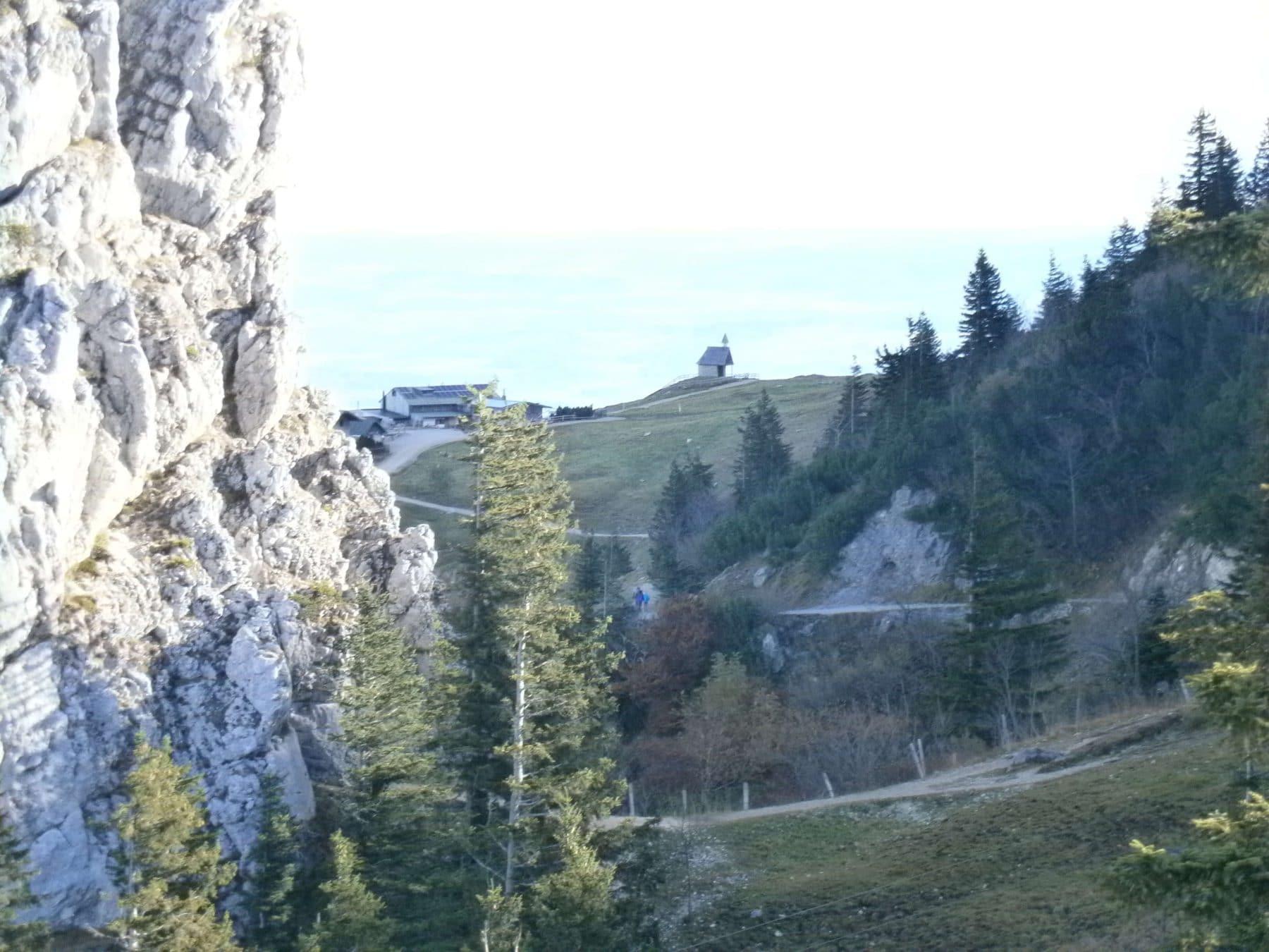 Bild Kampenwand Blick zur Steinlingalm mit Kapelle